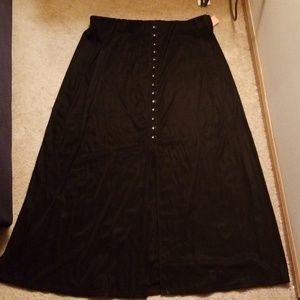 Briggs New York stretch skirt with middle slit